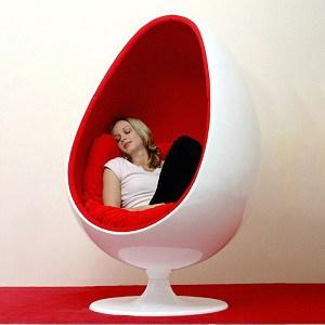 Silla Ovalia Egg de Henrik Thor-Larsen